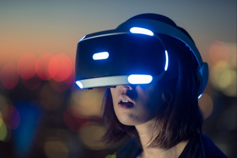 ELTchat Virtual-Reality header